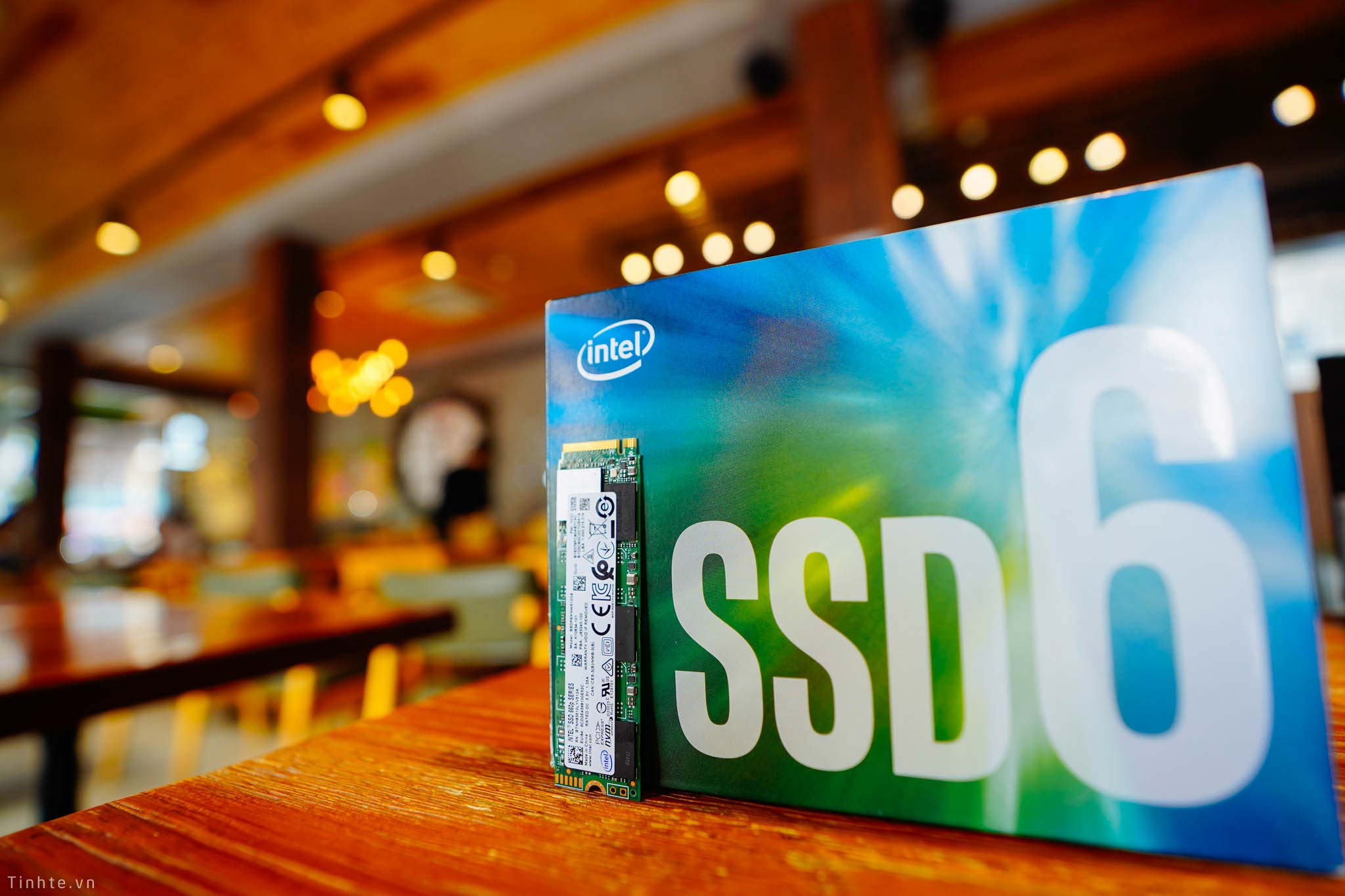 Đang tải Intel_660P-7.jpg…