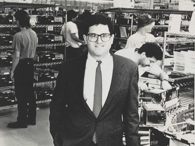 Chân dung nhà sáng lập hãng Dell: Tỷ phú Do Thái máu kinh doanh từ bé, trái lời bố mẹ bỏ trường Y để khởi nghiệp - Ảnh 5.