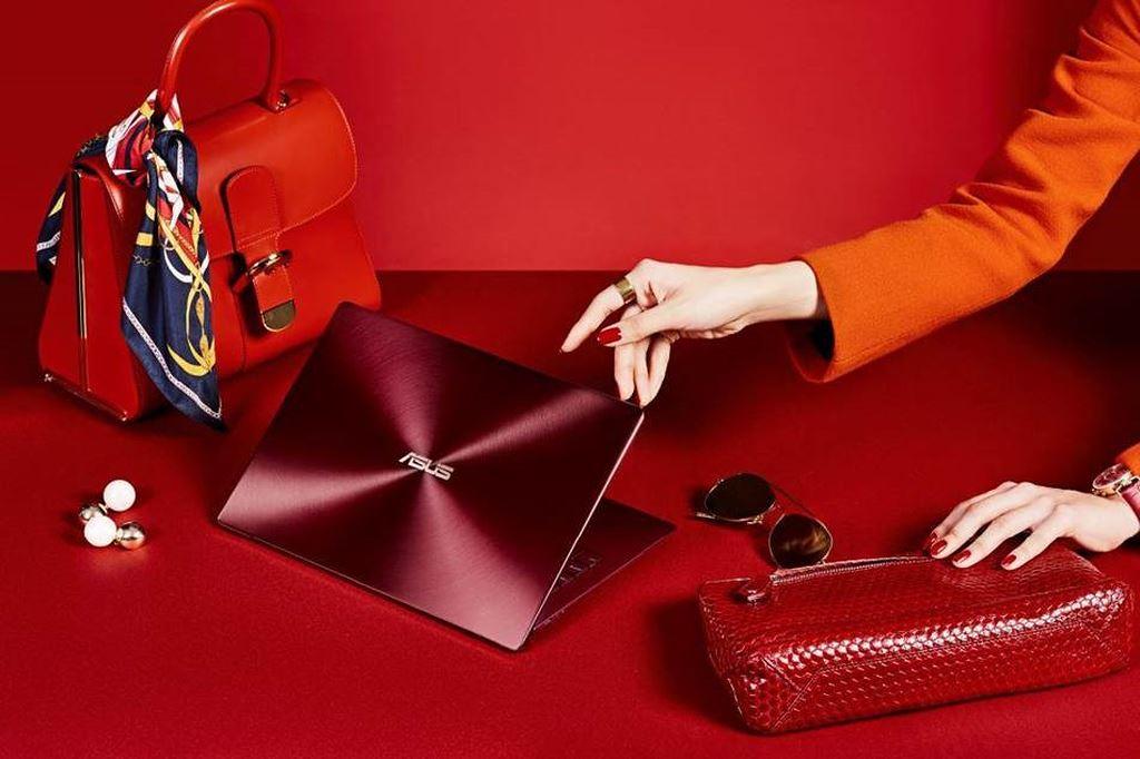 Asus ra mắt ZenBook S phiên bản Đỏ Burgundy, giá không đổi  ảnh 1
