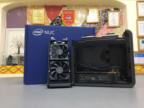 Intel NUC 9 Pro WorkStation BKNUC9VXQNX1